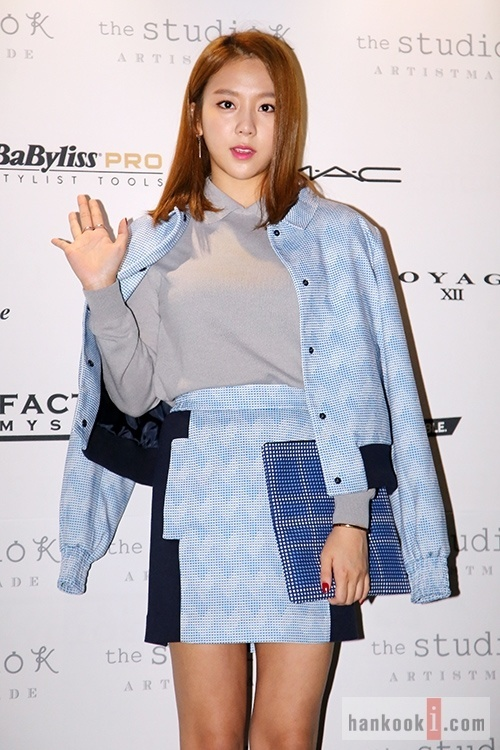 "Jewelry's Yewon at ""2014 S/S Seoul Fashion Week"""