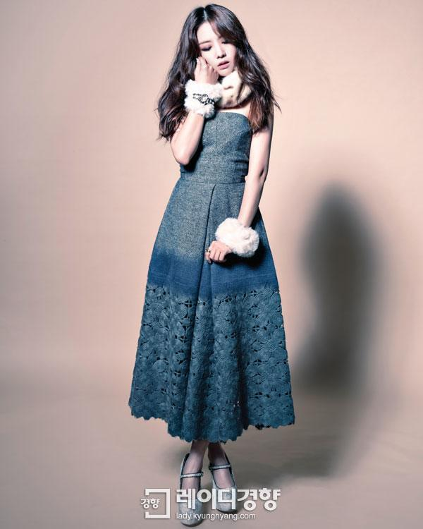 "Photo of ""Pure Romantic,"" Minah executing a detailed feminine look with the grey dress."