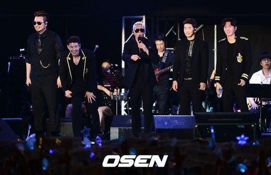 Photo of god encore concert.