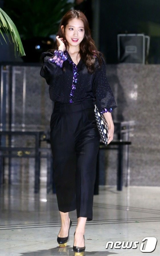 "Park Shin Hye at ""2015 S/S Collection"""
