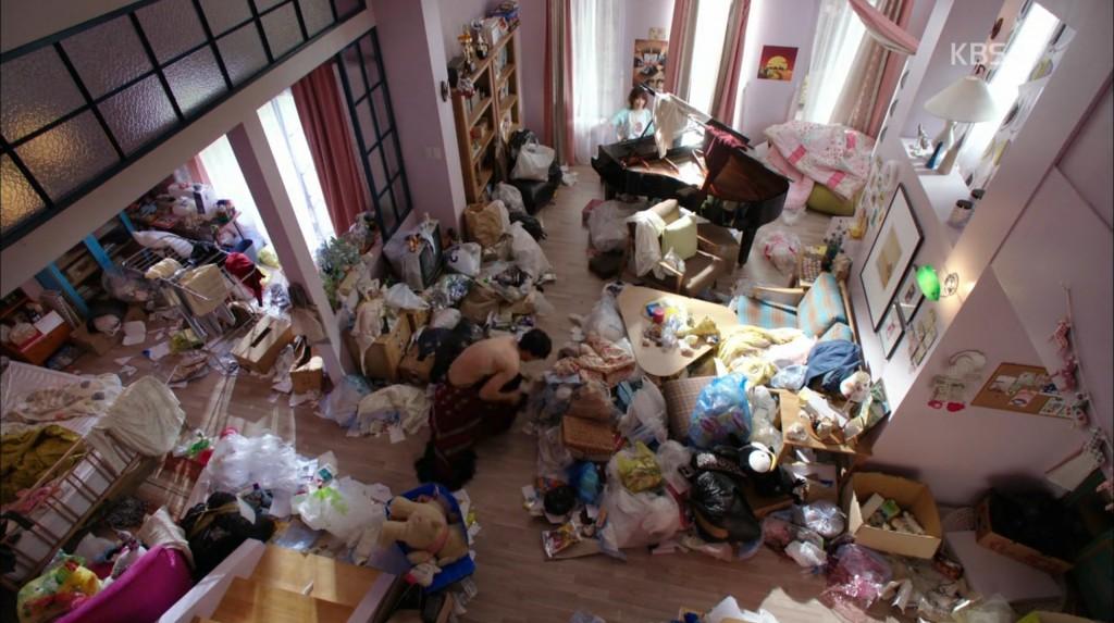 cantabile messy room scene