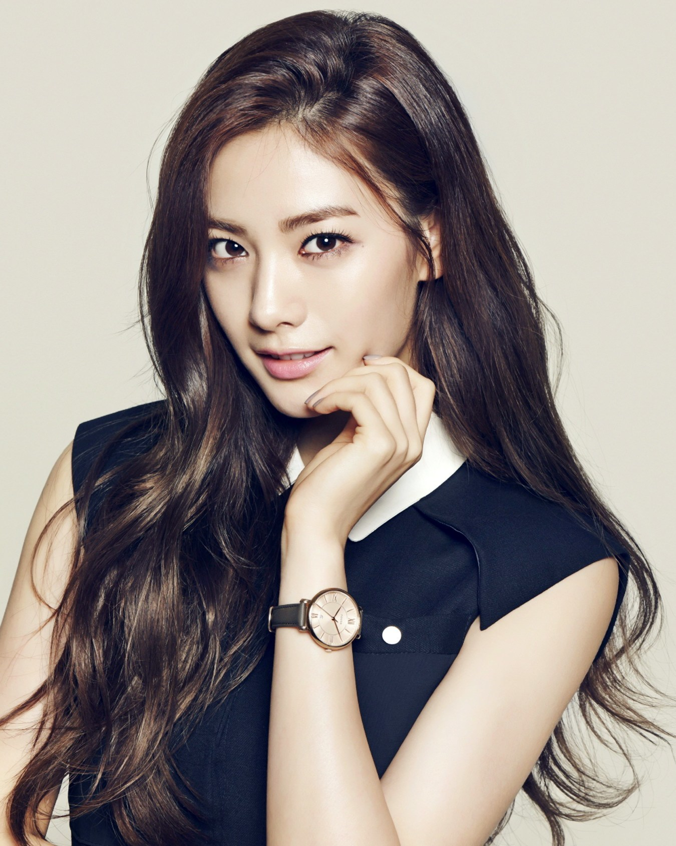 """After School's Nana looks stunning for """"InStyle Korea"""""""