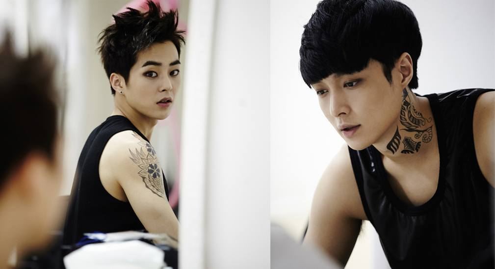 EXO-M's Lay and... Xiumin And Lay