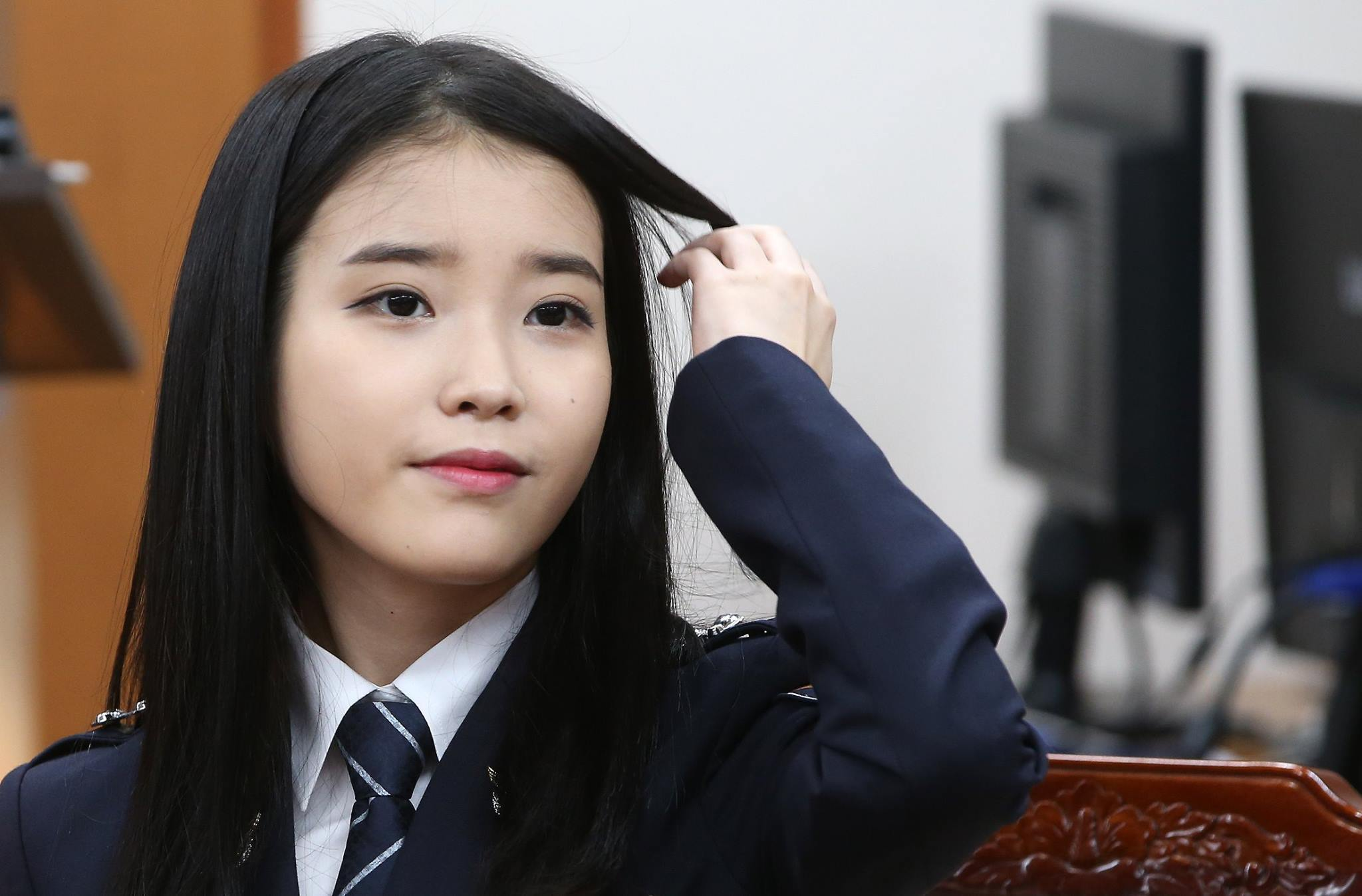 IU: 8 Gorgeous Photos Of IU The Senior Police Officer