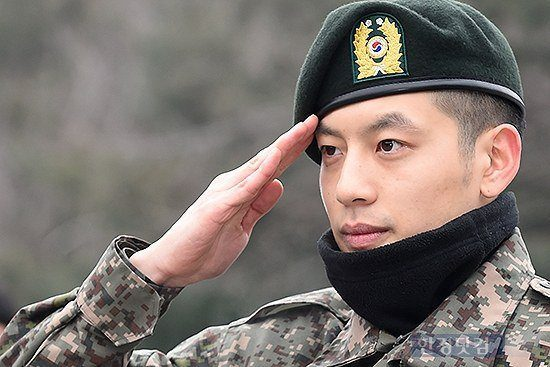 "Photo Source: <a href=""http://news.nate.com/view/20141228n03376?mid=e0101"">Hanguk Kyungjae</a>"