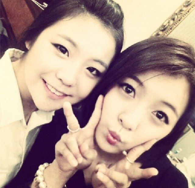 Luna and Jin Young