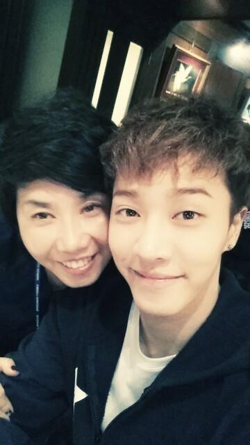 Gikwang and his mom