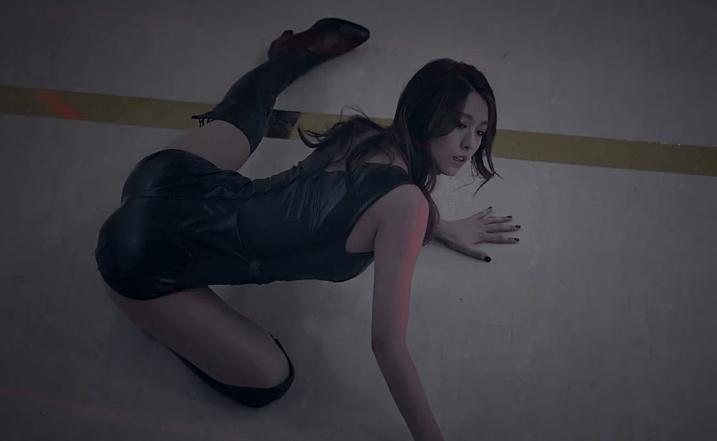 Gorgeous kpop girl cameltoe on cam - 3 part 7