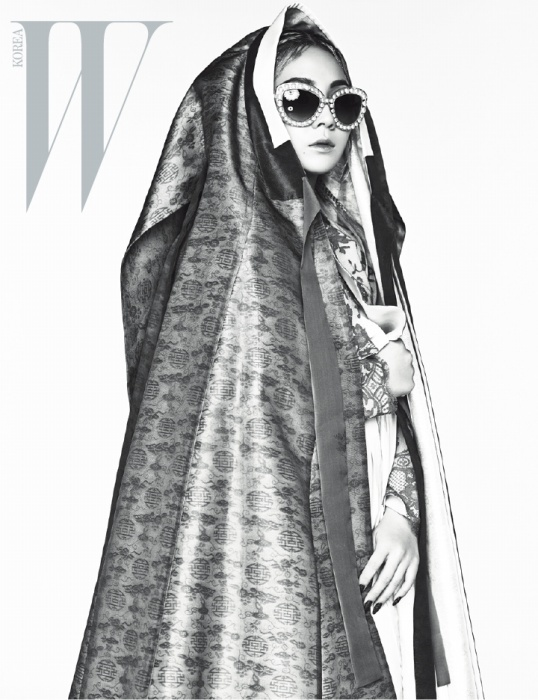 2NE1 CL W Korea April 2015-1