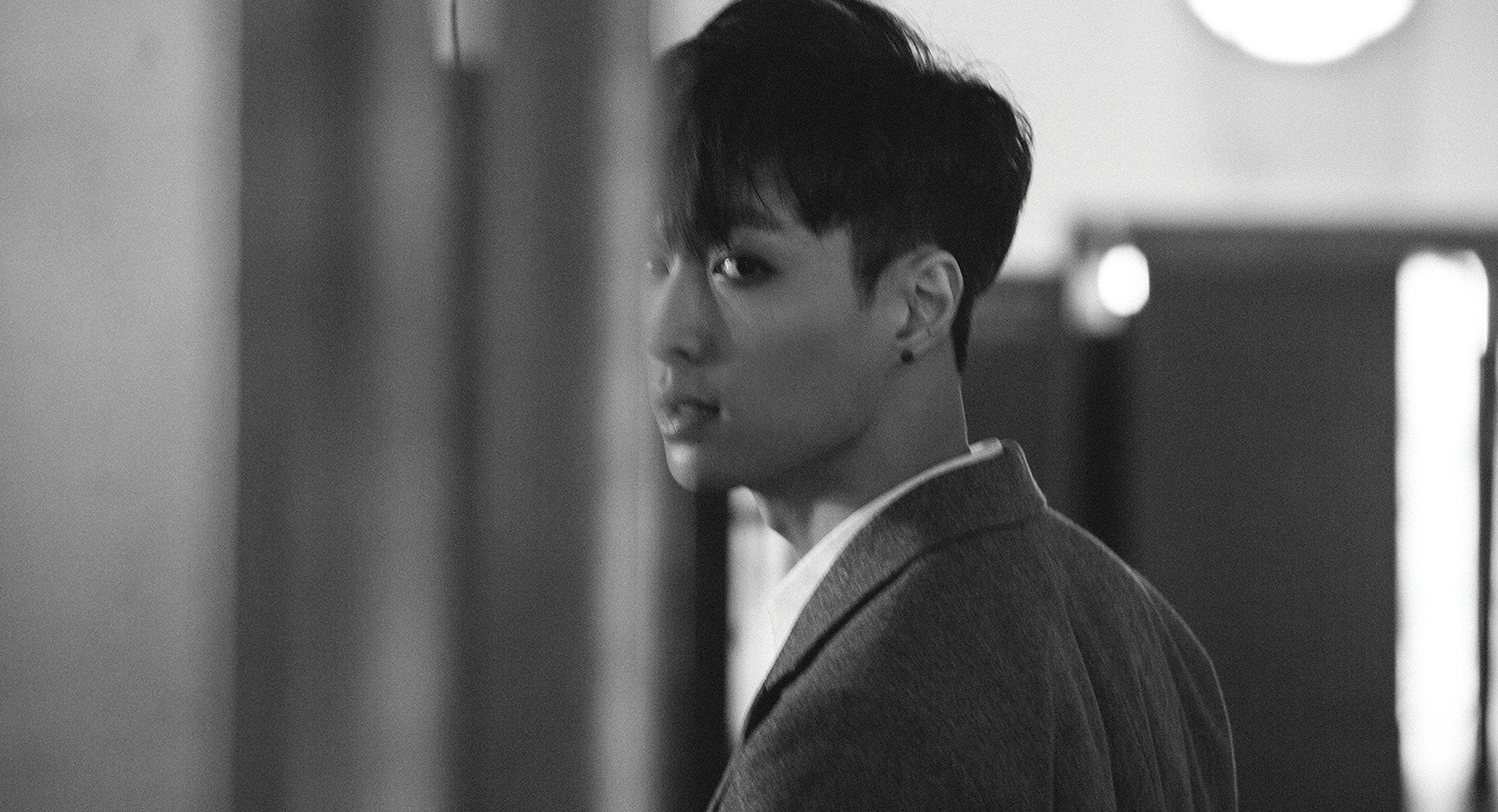 Anti Fans Continue To Harass Exo Lay Accusing Him Of Being