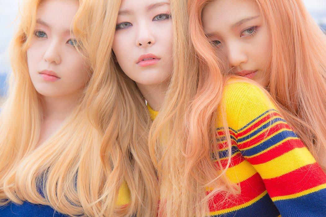 Red Velvet Ice Cream Cake-1