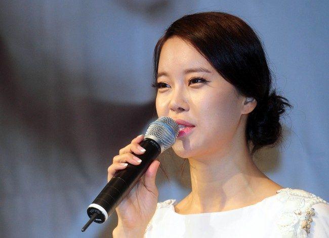 baek jiyoung