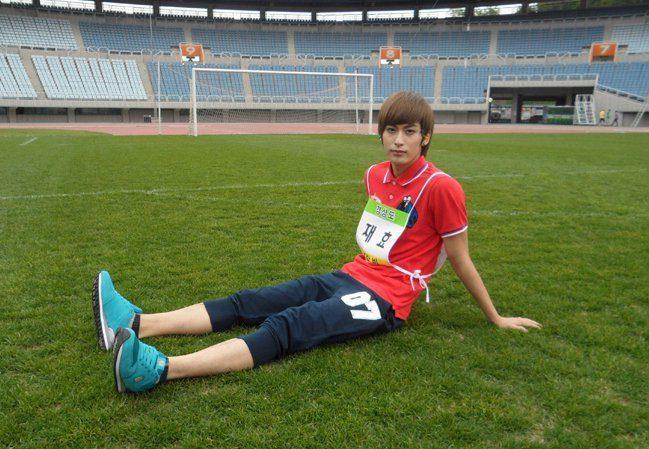 Phát hoảng với những thân hình mỏng dính trơ xương của idol Hàn Quốc ảnh 11