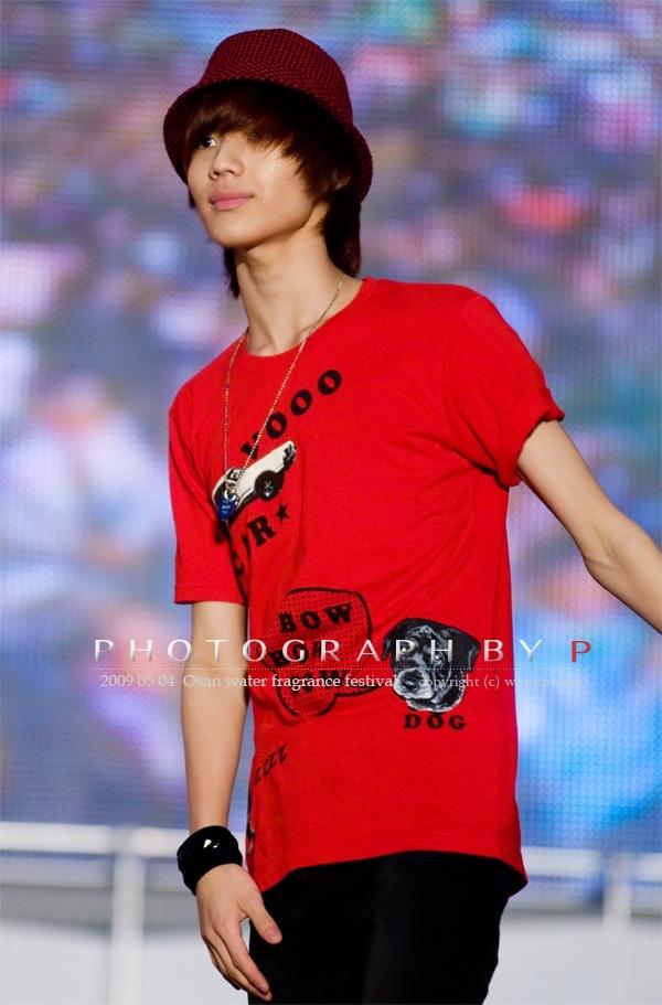 Phát hoảng với những thân hình mỏng dính trơ xương của idol Hàn Quốc ảnh 0