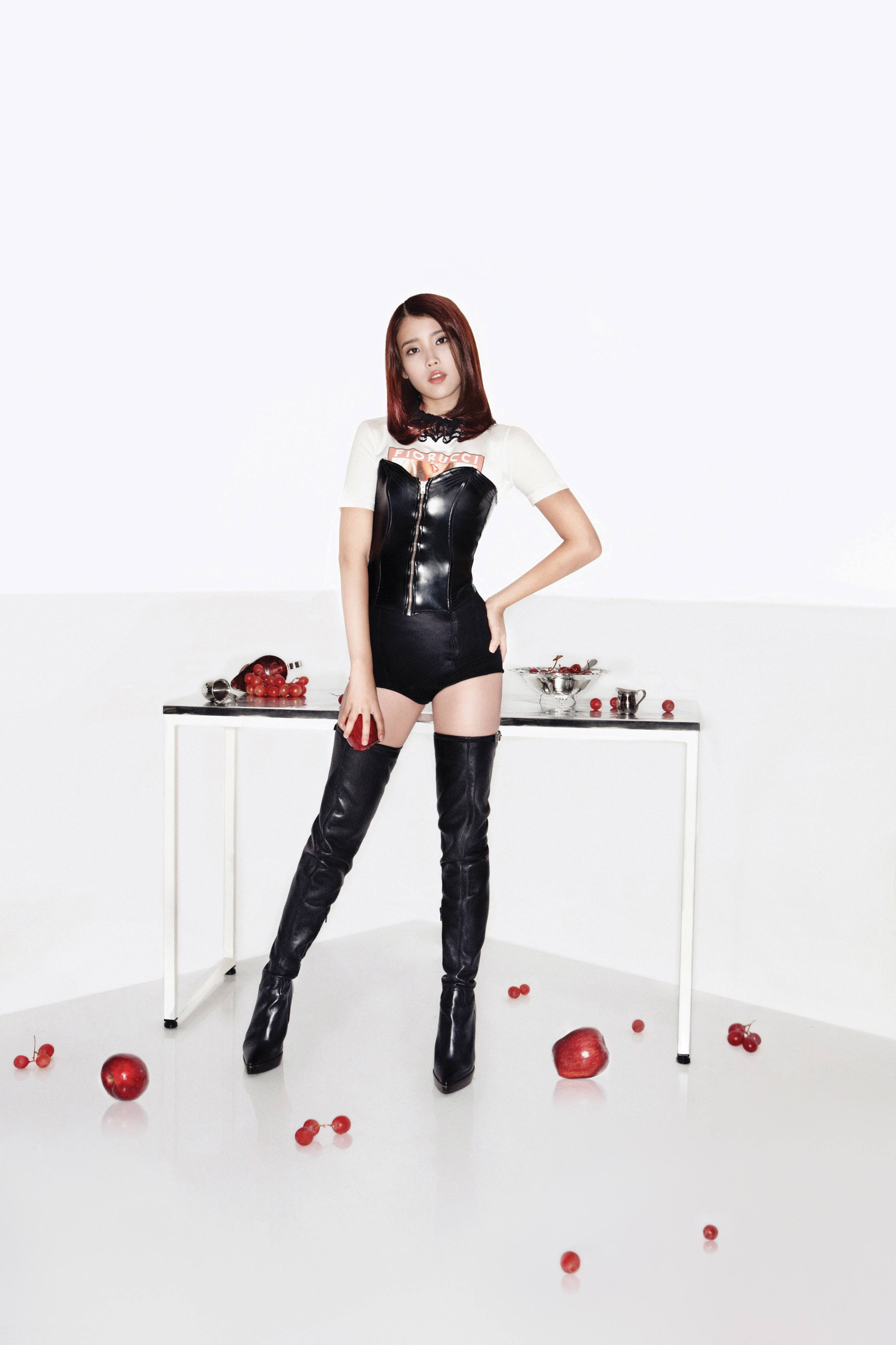 Top 10 Sexiest Outfits Of Iu-7753