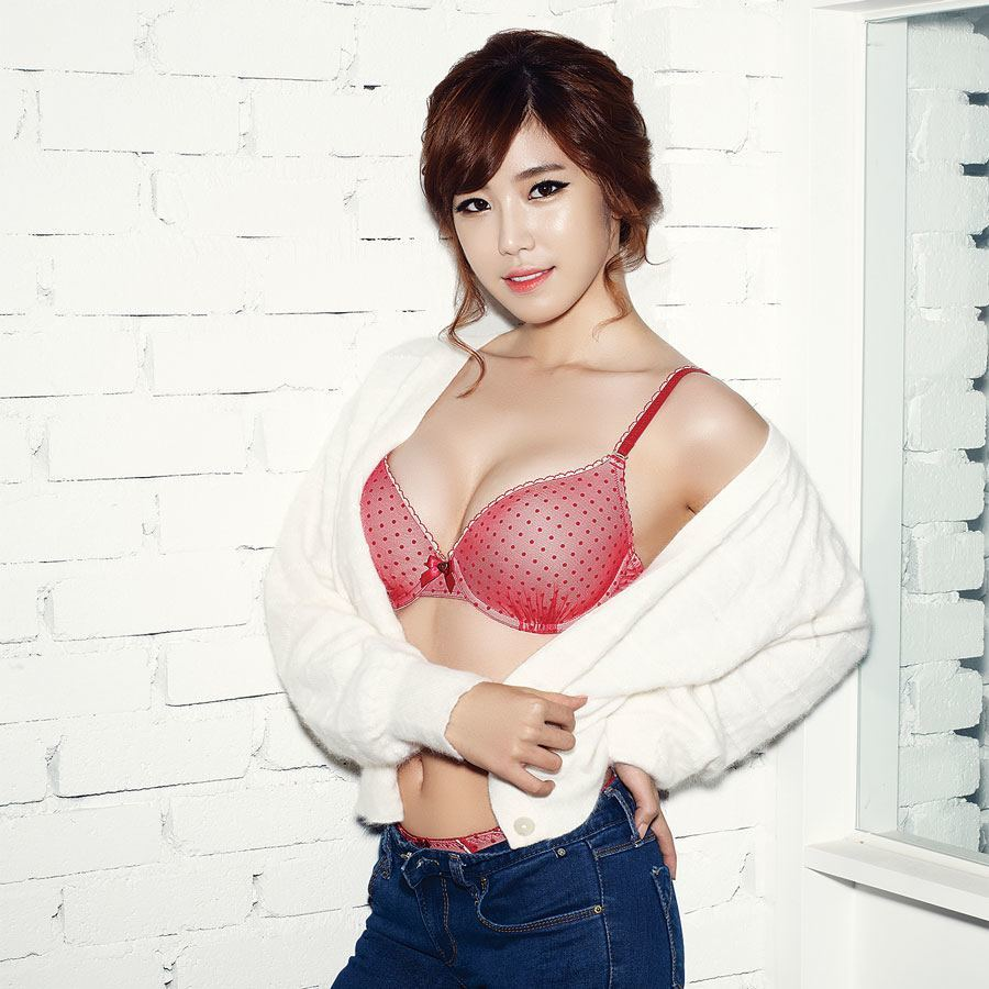 TOP 10 Sexiest Outfits Of Hyosung - Bias Wrecker - KPOP News