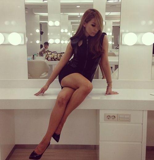 2ne1-cl-wears-a-mini-dress-and-reveals-her-sexy-body