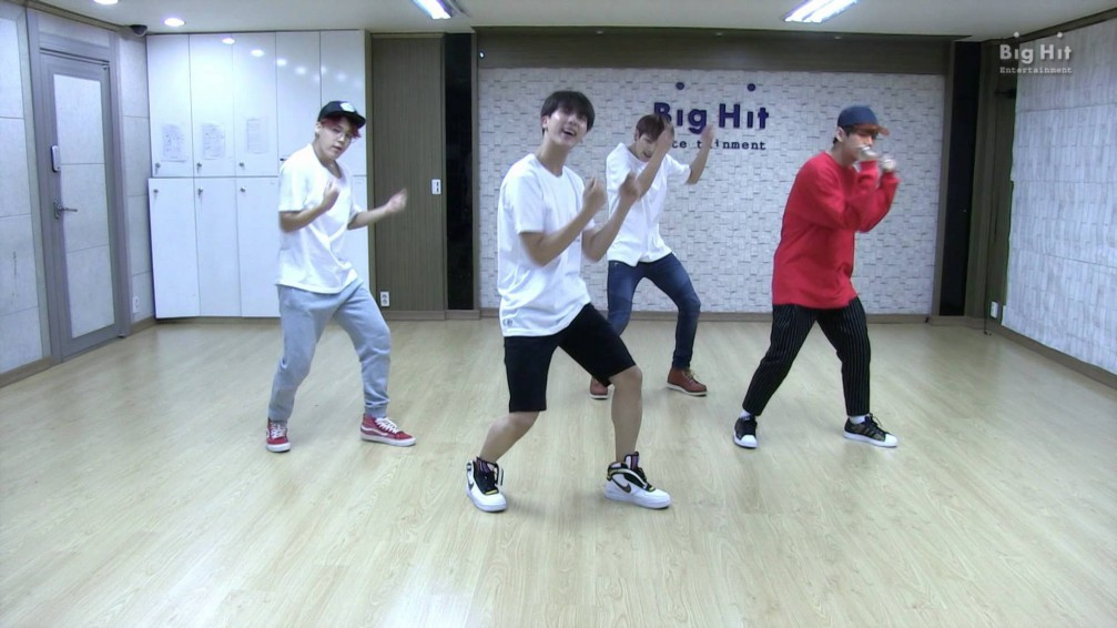 Bts Show Off Quot Dope Quot Moves In Latest Dance Practice Video