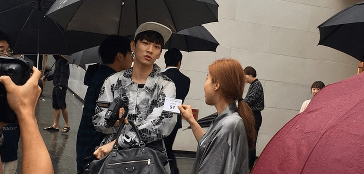 SHINee's Key shows off his new Apple Watch... gets spotted ...