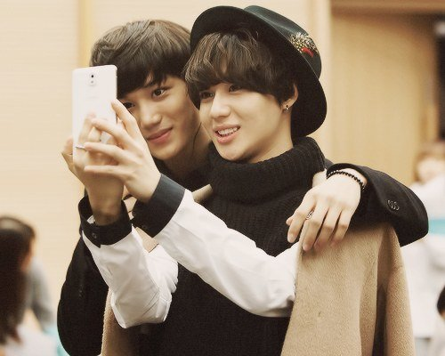 Netizens can't get enough of Kai and Taemin's friendship