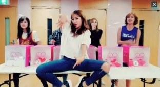 Naver's V App Live ft. Apink