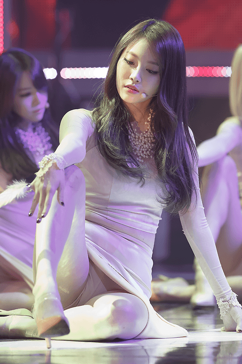 Yura Girl's Day Something Sexy in Beige (4)