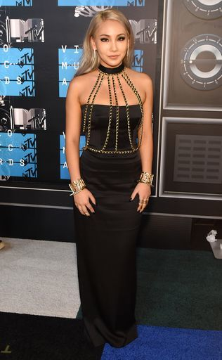 cl-2015-mtv-video-music-awards-red-carpet
