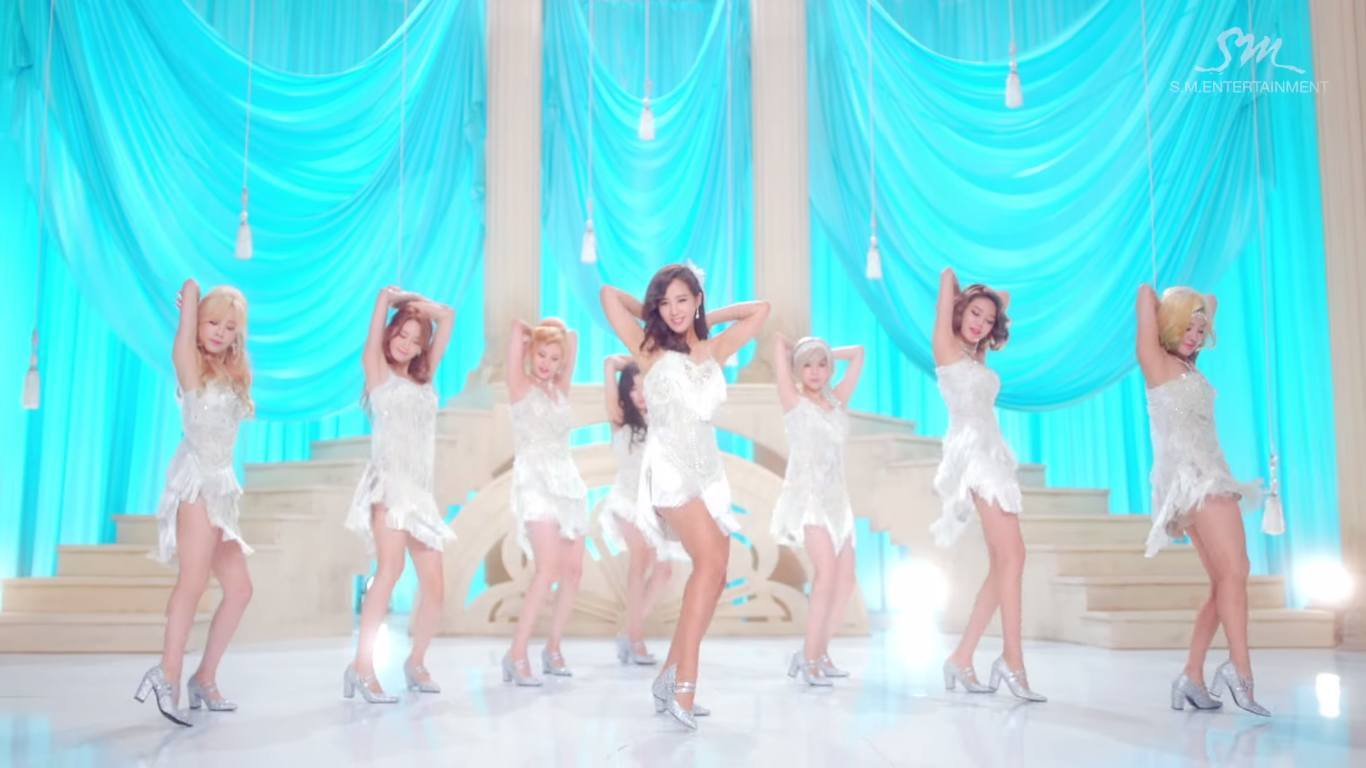 """lion heart Girls' generation's regular 5th album which contains total of 12 tracks including double title songs """"lion heart"""" and """"you think"""" are all out listen and dow."""