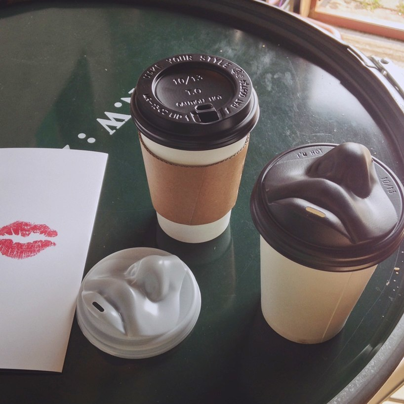 Kissing Coffee Lid