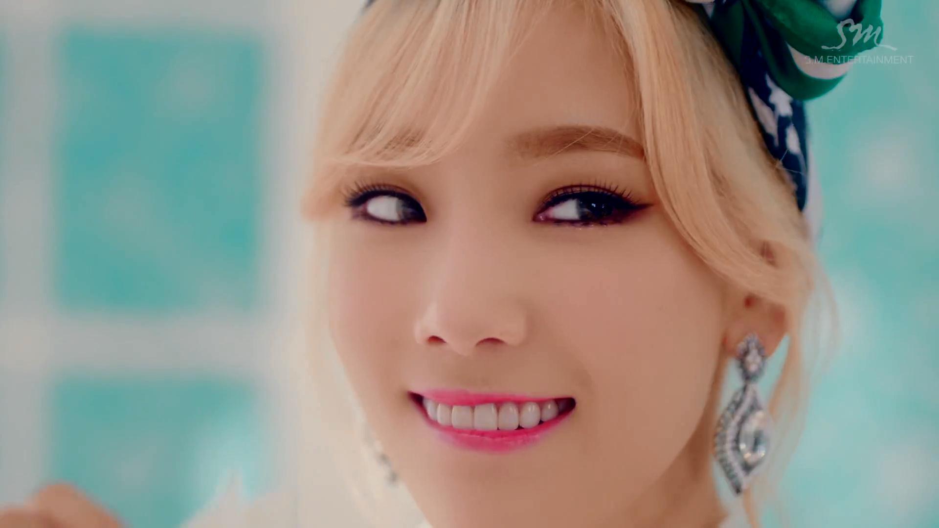 "Girls' Generation ""Lion Heart"" MV / SM Entertainment"