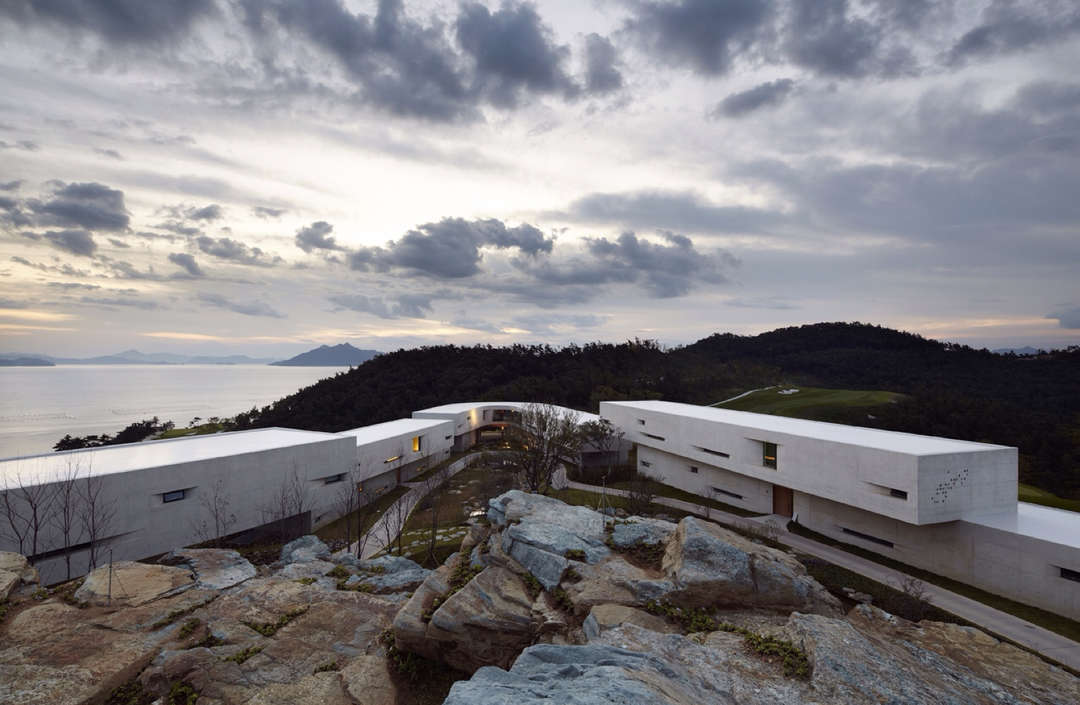Namhae Southcape Linear Suite Hotel by BCHO Architects Associates, Namhae-gun, South Korea