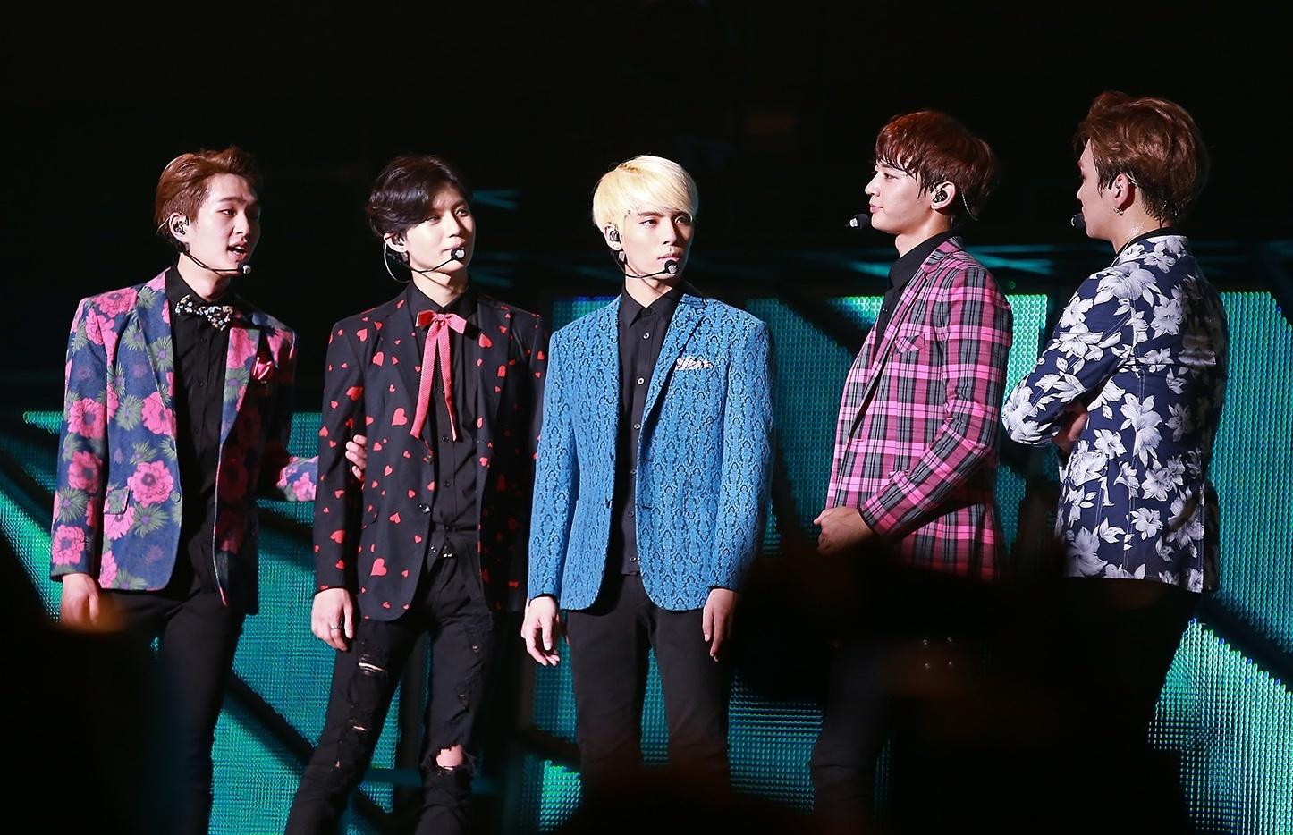 Shinee_at_the_SHINee_World_Concert_III_in_Taiwan