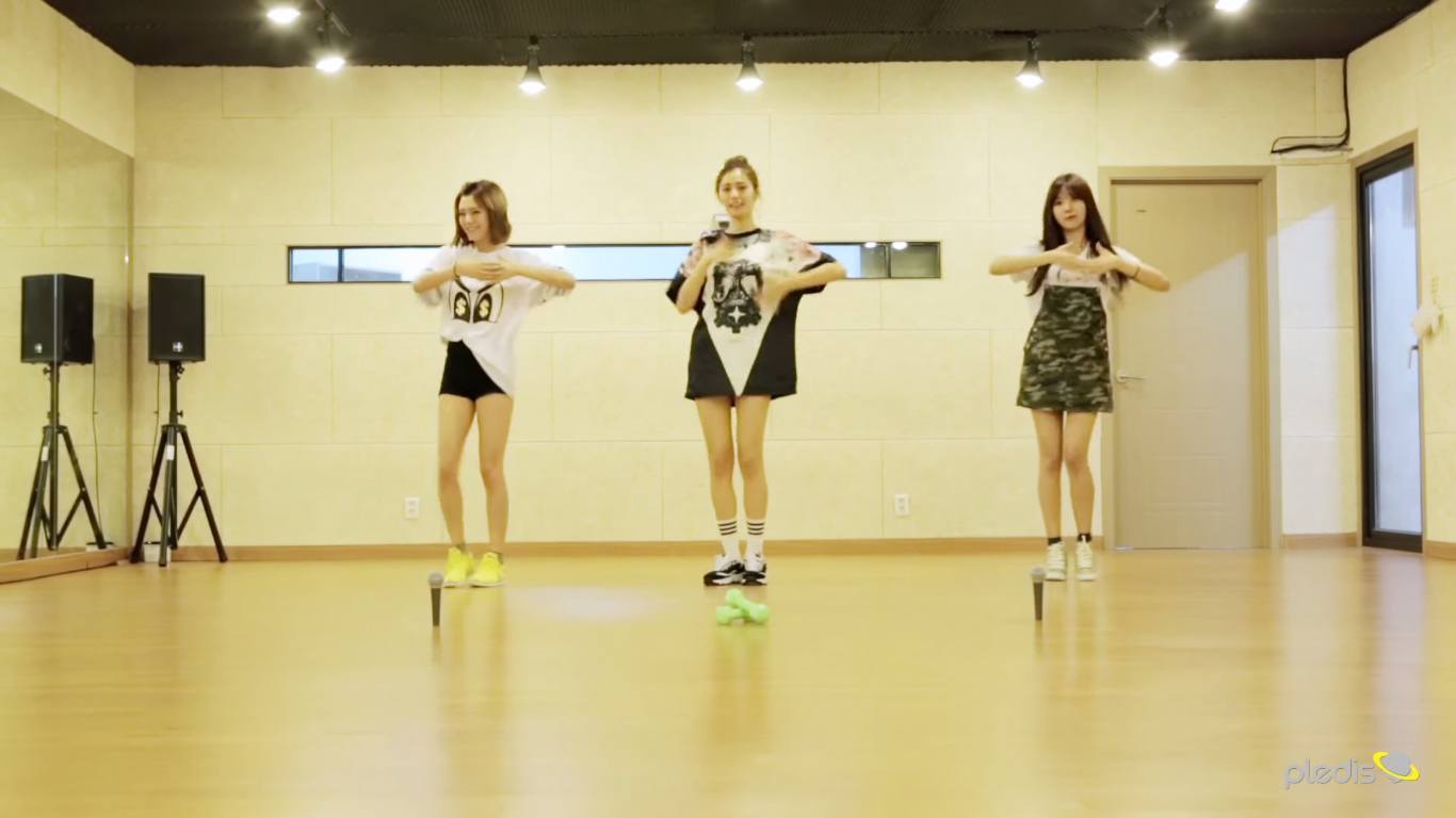 "Orance Caramel's ""My Copycat"" dance practice / Pledis Entertainment"