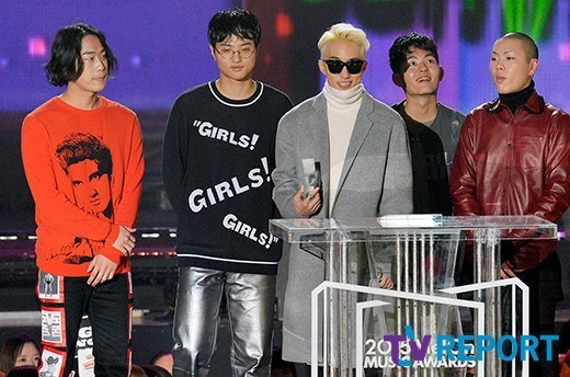 hyukoh and Zion.T at Melon music Awards