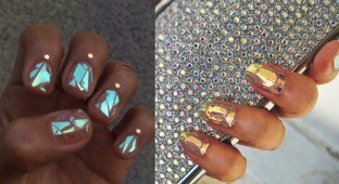 Shattered Glass Nails trend