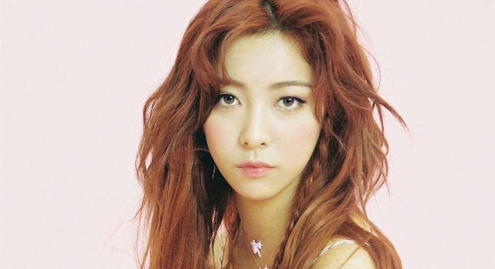 Luna in tears after hearing f(x) took another #1 on Mnet's ... F(x) Luna
