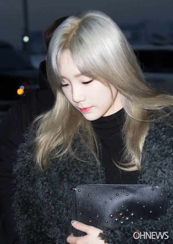 Netizens are losing it over Taeyeons new hairstyle ? Koreaboo