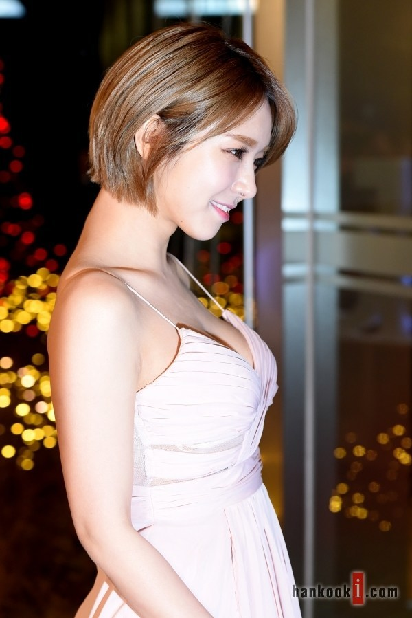 10 Photos Of Choas Sexy Red Carpet Dress That Drove The Internet Wild - Koreaboo