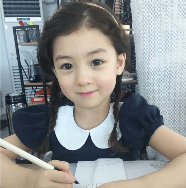 baby girl in korean