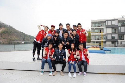 Image: Korean & Chinese Running Man cast / SBS