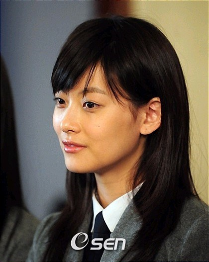 Netizens Accuse Actress Oh Yeon Seo Of Plastic Surgery