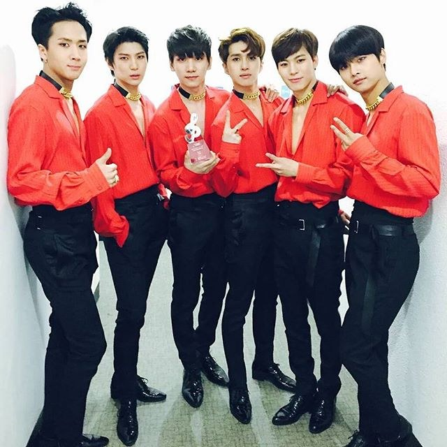 Did Btob Intentionally Copy Rival Group Vixxs Stage Outfits Koreaboo