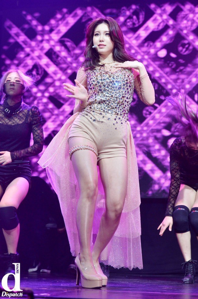 "Image: SECRET Hyosung performing solo track ""Find Me"" / Dispatch"