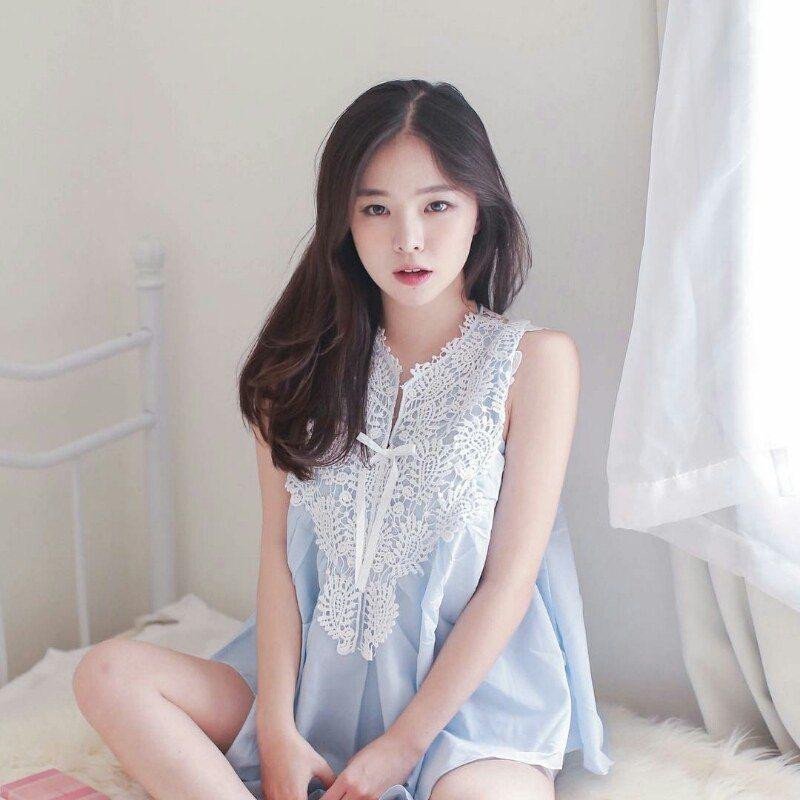 Korean Girls In Panties