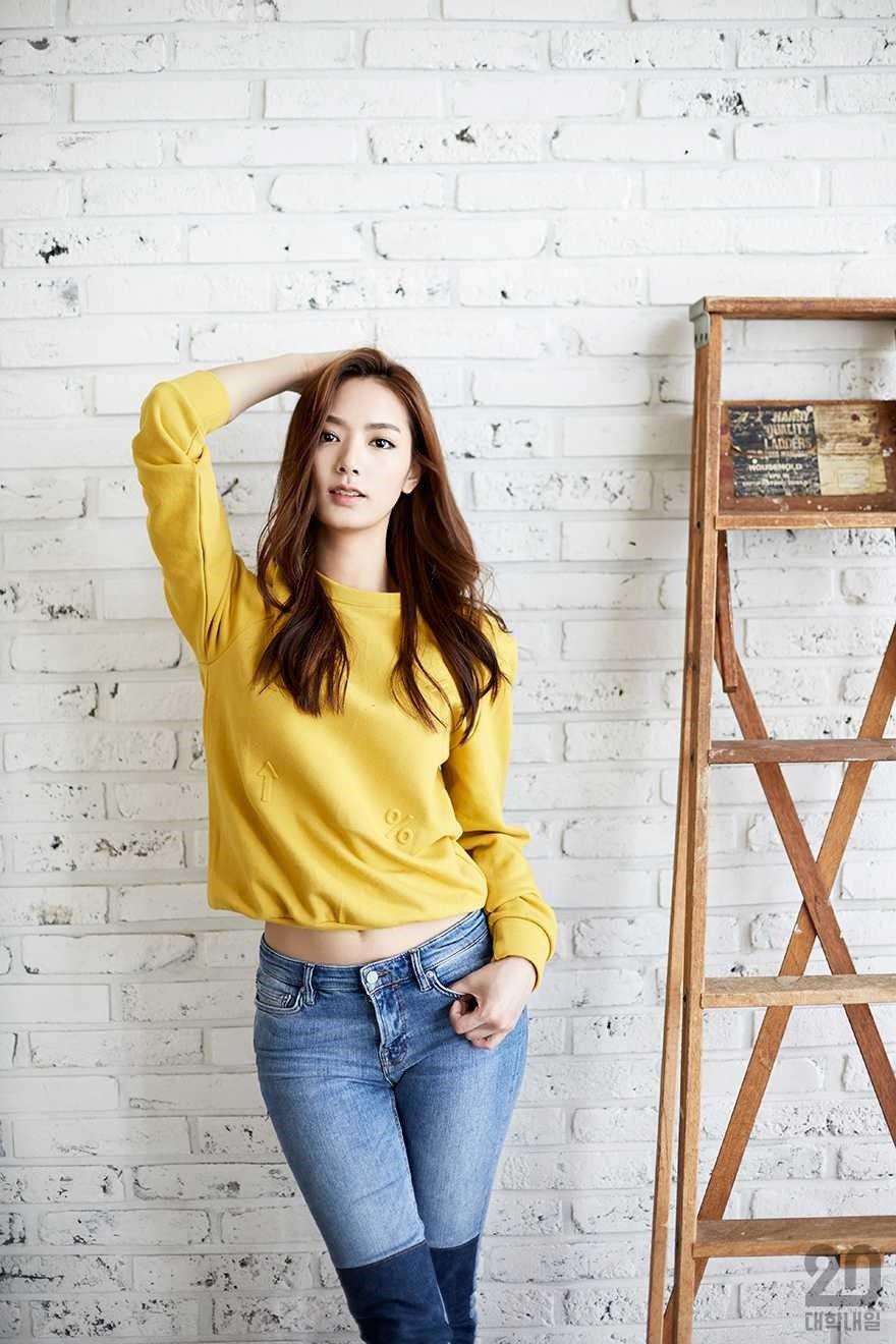 Meet Kim Jisoo, The Korean College Student Going Viral For ...