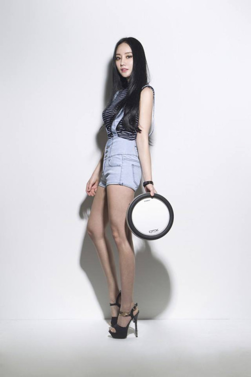 This Drummer Girl Is Stealing The Hearts Of Men All Over -8472