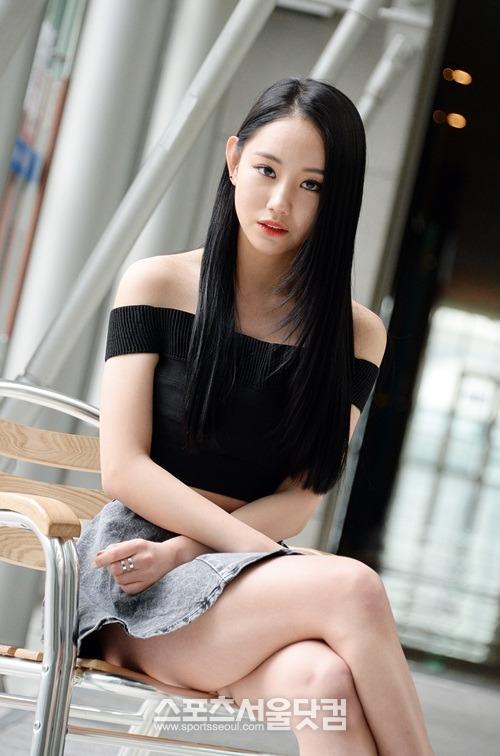 Asia Girl nach POV Blowjob gefickt