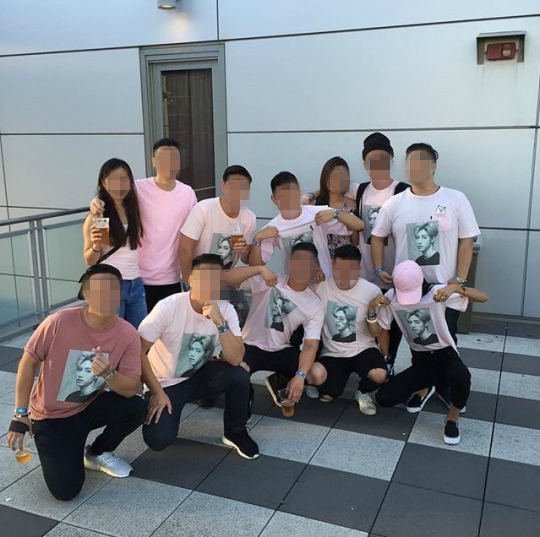 Image: GOT7 Mark's friend and family wearing t-shirts made by his father