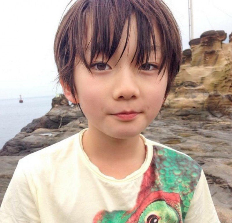 This Young Japanese Boy Is Going Viral Across Asia For His