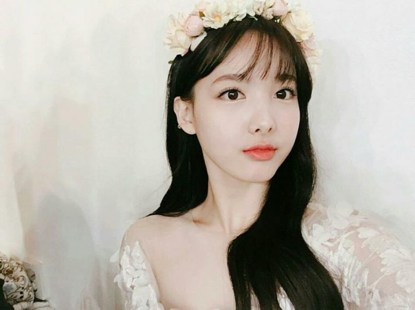 TWICE Fans Falling In Love With Photos Of Nayeon In A Wedding Dress Koreaboo